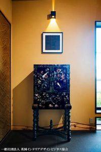 キュレーションホテル熱海桃乃屋庵の江戸時代につくられた長崎螺鈿のキャビネット