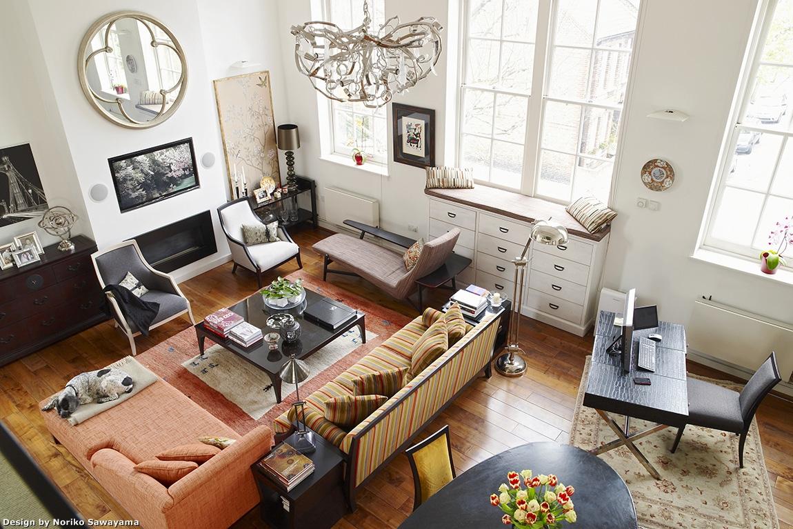 ロンドン時代の澤山乃莉子の自宅。伝統工芸品を洋の空間にエクレクティックにブレンドさせたインテリア